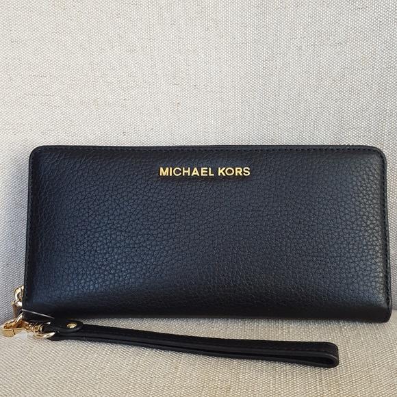 4305bf48e188 MICHAEL Michael Kors Bags | Nwt Michael Kors Large Continental ...